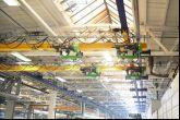 Jeřáb sloužící k sestavení autobusů  Adamec Crane Systems pro IVECO Vysoké Mýto
